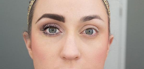 how to clean ur eyes