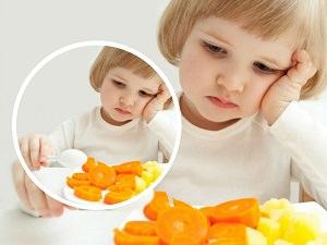 çocuklara sevmediği yemeği yedirme ön_mini