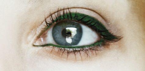 mavi gozler icin eyeliner rengi onerileri_mini
